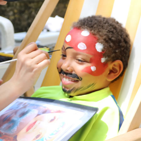 art et glamour maquilleuse enfants face painting domicile lyon 69. Black Bedroom Furniture Sets. Home Design Ideas